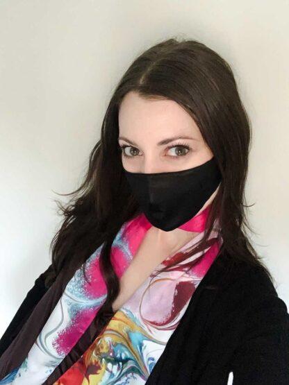 Paloma wearing The petite Black Face Mask